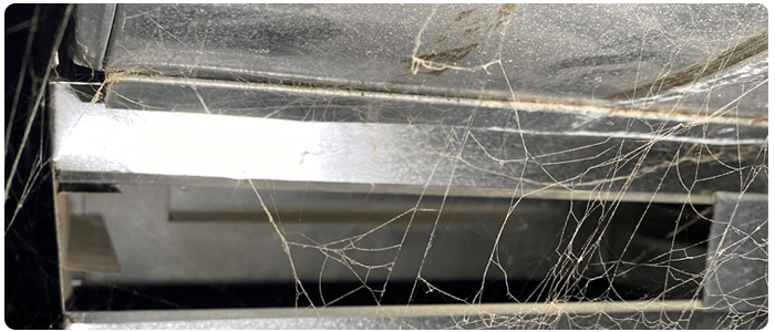 Professionals Clean The Ducts